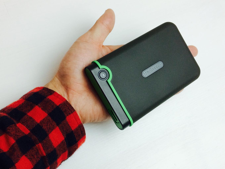 Transcend USB3.0/2.0 2.5インチ ポータブルHDD 耐衝撃 M3シリーズ  TS1TSJ25M3サイズ感