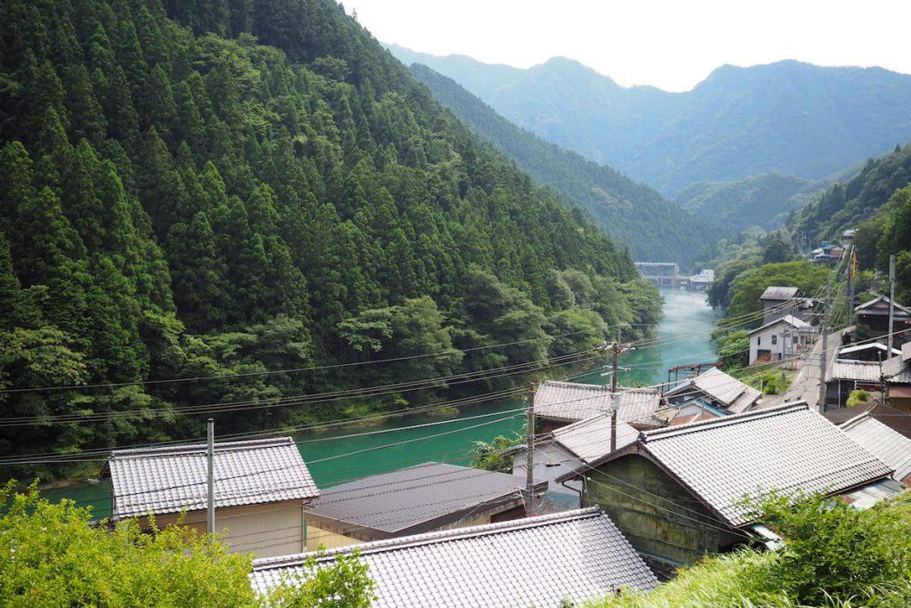 近くには松尾川という川もながれてる。のどか。